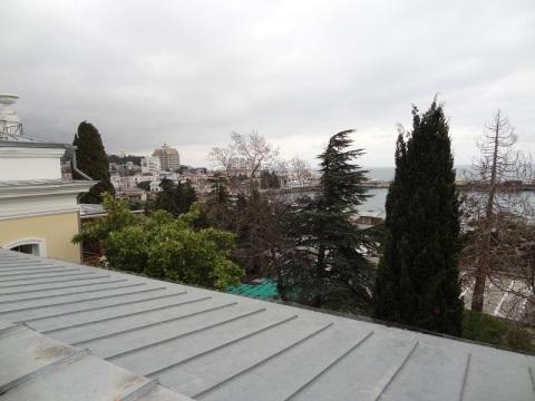 Продам 2х комнатную квартиру в Крыму Ялте